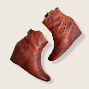 Frye Carson Wedge Cognac Leather Cute Ankle Bootie